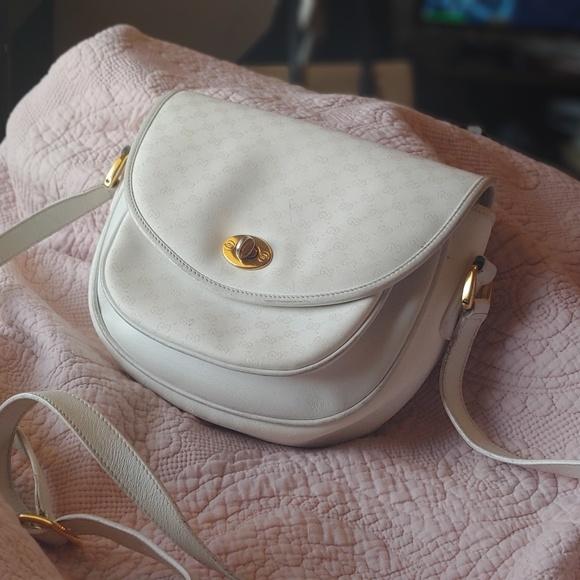 297f4e8dd56a Gucci Bags   White Crossbody Satchel Handbag   Poshmark